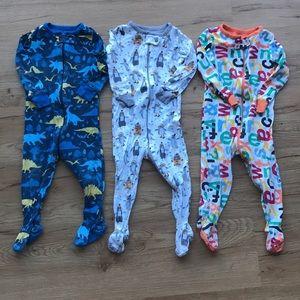 3 pairs of pajamas 9 to 12 month